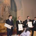 Helsinki YMCA Millennium Award luovutettiin Yökoripallotoiminnalle. Sitä vastaanottivat toiminnan 1998 Suomeen tuonut Ilpo Laitinen sekä Markku Poteri Helsingin kaupungin puolesta. Yökoripallotoiminnan puolesta palkinnon vastaanottivat Jyrki Eräkorpi ja Olsi Marko. Palkintoa jakamassa Timo Laulaja ja Juan Iglesias.